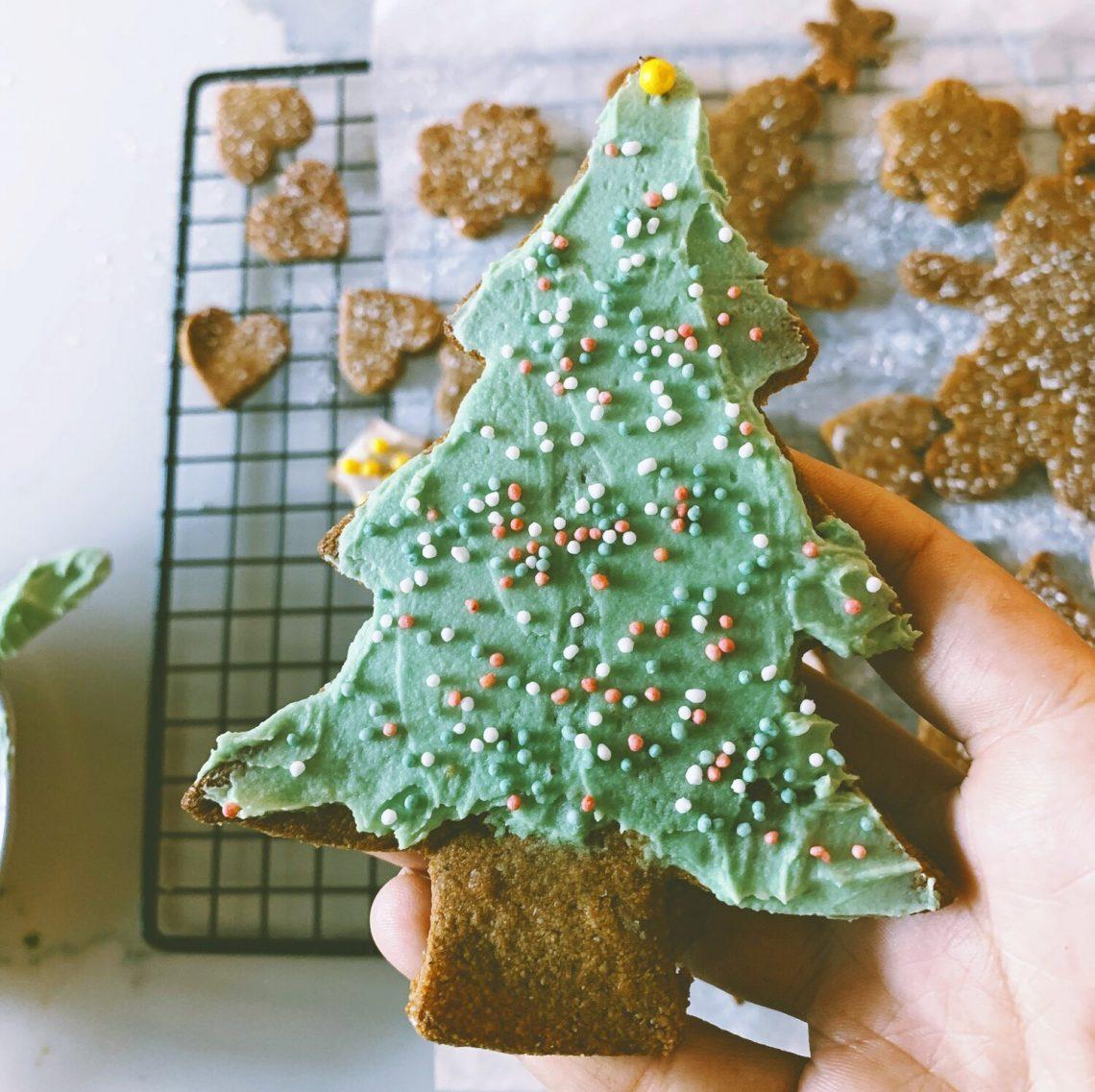 Paleo & Vegan Gingerbread Cookies